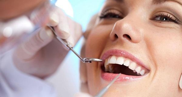 Trồng răng sứ thẩm mỹ tại quận 2 giá bao nhiêu